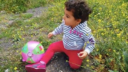 Eliana con su papá saca a Yuli (la perrita de la familia) | Diario de Gabri y Eli