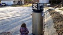 « I love you, robot » : Cette petite fille confond un chauffe-eau avec un robot