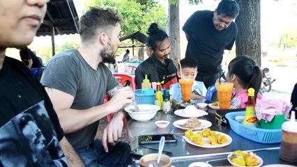 ฝรั่งทอดแหหาปลา ( Fishing Thai Style ) •• South of Thailand Day 3  ••