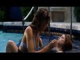 Sexcrimes (Wlid Things) la scène du baiser dans la piscine (1998)