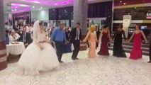Müthiş Düğün ( Oyunlar ve Halaylar ) Düğünde Süper Halay