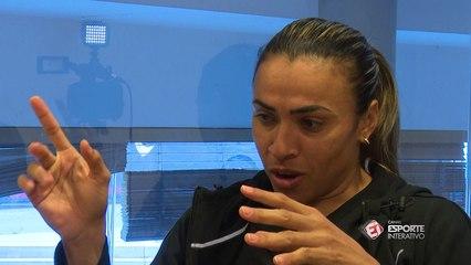 Marta: Quando eu vi ele descendo as escadas fiquei tremendo