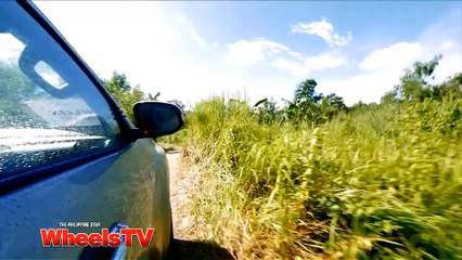 Angel tries out the all-new 2015 Toyota Hilux