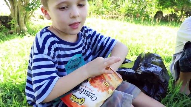 FOOD PRANK! Funny School Lunch Prank Ideas April Fools Joke MOLDY SANDWICH Play Doh Candy + Cheetos