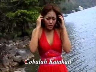 Ria Amelia - Suratan Diri [Official Music Video]