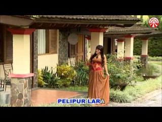 Ria Amelia - Pelipur Lara [Official Music Video HD]