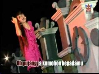 Ria Amelia - Pujangga Cinta [Official Music Video]