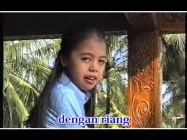 Aisyah Sanselina - Terkenang [Official Music Video]