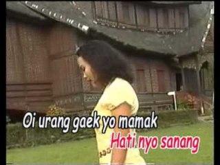 Ratna Sunita - Disemba Alang [Official Music Video]