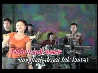 Yessy Ivanka - Laruik Dek Mananti [Official Music Video]
