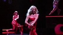 Tonya Kinzinger dans Hit Parade avec Dalida, Cloclo, Mike Brant, Sacha Distel : ils reviennent !