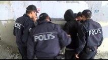 Esenyurt'ta Madde Bağımlısı Gençler Polis Ekipleri Tarafından Tedavi Edilmek Üzere Toplandı