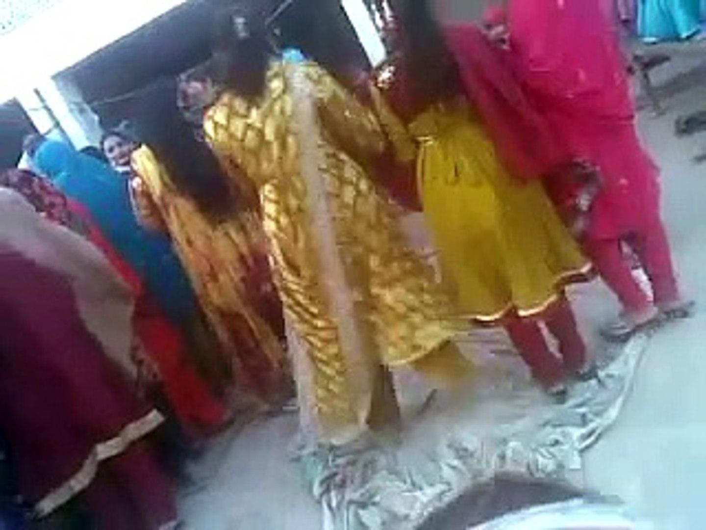 Basti malana -  - Sexy Leaked Video PAKISTANI MUJRA DANCE Mujra Videos 2017 Latest Mujra video upcom
