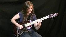 A 14 ans elle reprend Eruption de Van Halen à la guitare