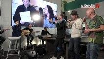 Idir et Tryo chantent « L'hymne de nos campagnes » en live au Parisien