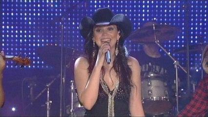 Nathália - Você Me Ensinou Amor (Wouldn't Hurt So Bad) - Video Clipe
