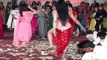 AJA AJA PK DANCE PARTIES - MUJRA DANCE AT WEDDING PARTY -dailymotion