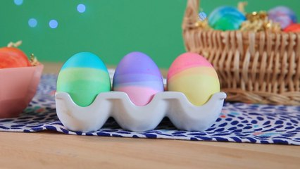 How to Make Dip-Dyed Eggs