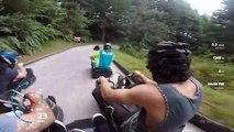 Une descente en luge d'été filmée à la GoPro à une vitesse de 58 kmh, sensations fortes garanties