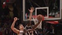 NBA : Le dunk de Jonathan Simmons sur Meyers Leonard