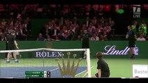 Le tennisman Andy Murray laisse un ramasseur de balles le remplacer et jouer contre Roger Federer