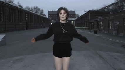 Cate Le Bon - Wonderful