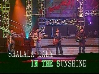Jia Qiang Huang - Band Medley : Sha La La La / Ma Lu Tian Shi / Hong Se Pau Che / Lang Yu Ye / Shi Lian / Sha La La La