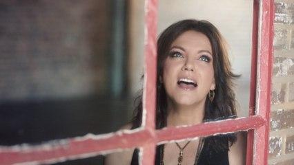 Martina McBride - Just Around The Corner