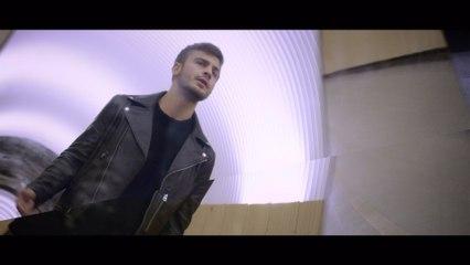 Martin Masarov - Halvvägs i trappen