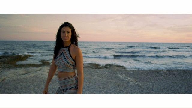 Lyna Mahyem - Tsunami