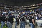 Lyon-Besiktas : Fight between Besiktas fans and Lyon fans  - UEFA Europa League 2017