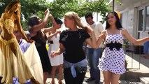 Neşeli Roman kızlardan oyun havaları