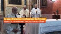 Pour le Jeudi saint, le pape François lave les pieds de douze prisonniers