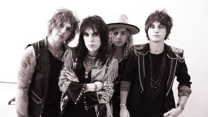 The Struts - Kiss This