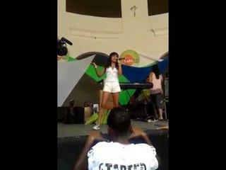 Aythana en el recital del club Fantoche de Salvador Bahia