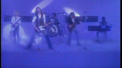 Status Quo - Let Me Fly