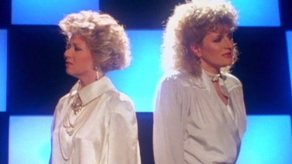 Elaine Paige - I Know Him So Well