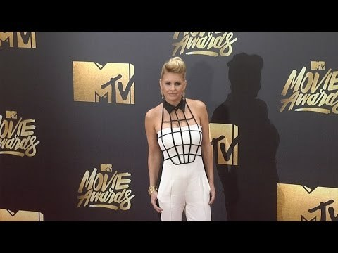 Carrie Keagan #MTVMovieAwards Red Carpet