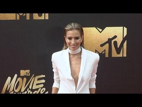 Renee Bargh #MTVMovieAwards Red Carpet