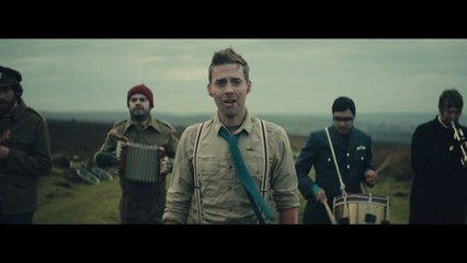 Kaiser Chiefs - Coming Home