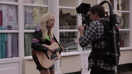Nina Nesbitt - Nina Nesbitt – Way in the World Unstripped (VEVO LIFT UK)
