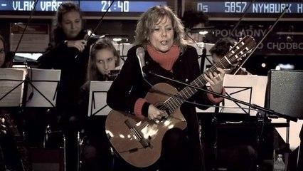 Lenka Filipová - I. veta z koncertu D-Dur