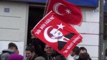 """Almanya'daki Türklerin """" Evet """" Sevinci Sokaklara Taştı"""