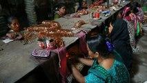 """Las fábricas de brazaletes, las """"esposas"""" de las mujeres bangladesíes"""