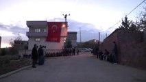 Tunceli'de Polis Helikopterinin Düşmesi - Şehit Polis Özdemir'in Baba Evinde Yas