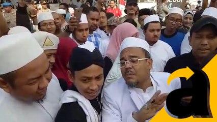 Rizieq menjawab pertanyaan wartawan asing soal mengharuskan memilih pemimpin muslim,