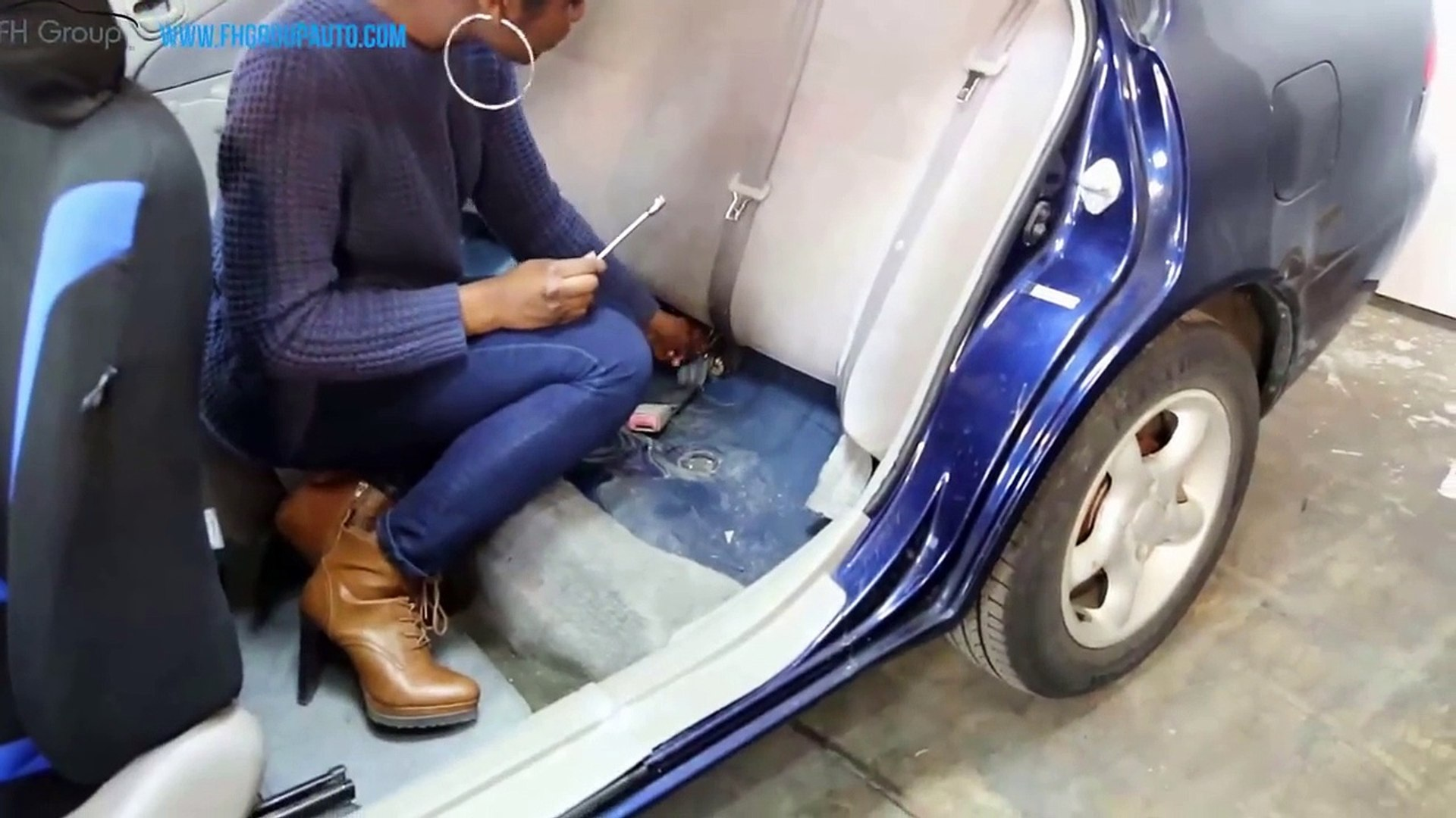 Solid Bench Seat Covers Installation - FH Group Auto ®