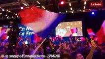 Le public en liesse à l'annonce des résultats au QG d'Emmanuel Macron