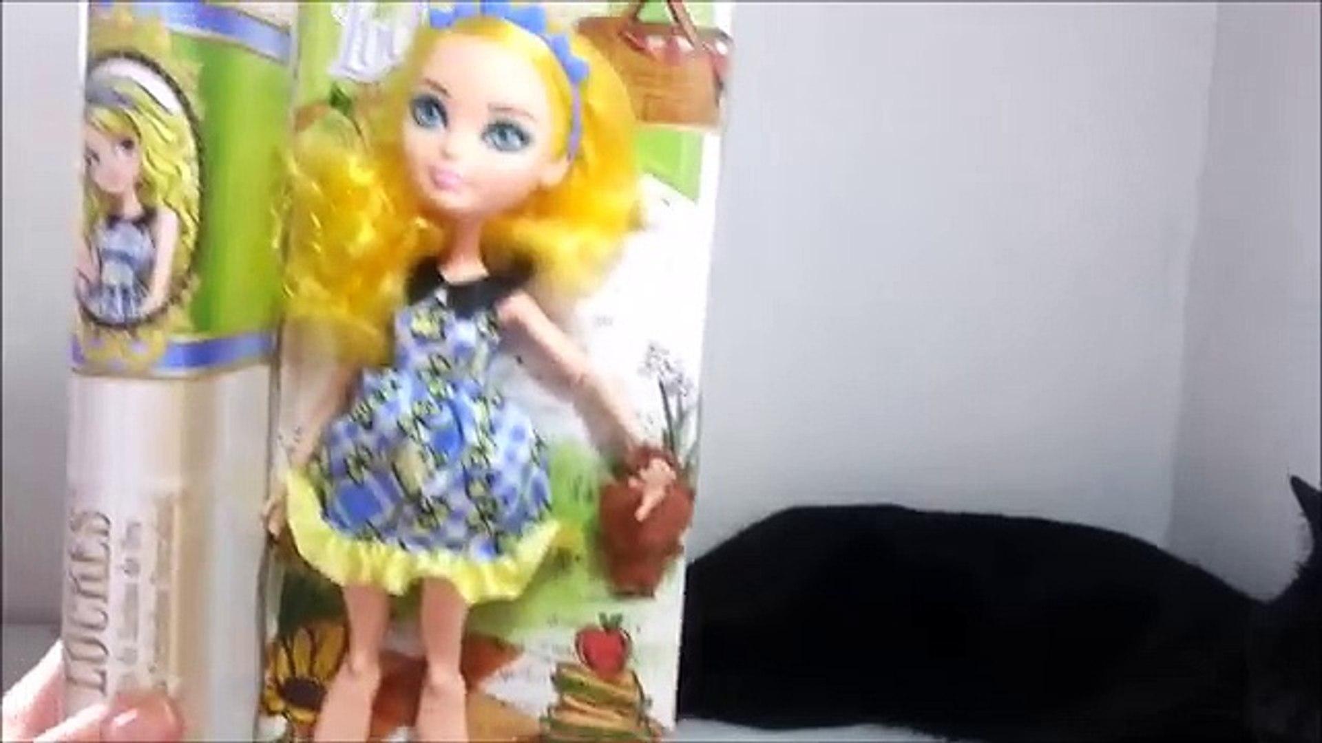 Después de la y comparación muñeca encantada nunca alto día de campo Informe Locuras blondie