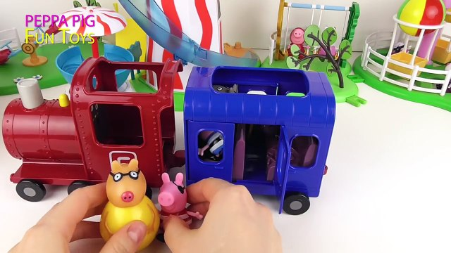 Peppa Pig Pirate Party - Peppas Company Trip by Train to Boat - Peppa Pig Toys Video